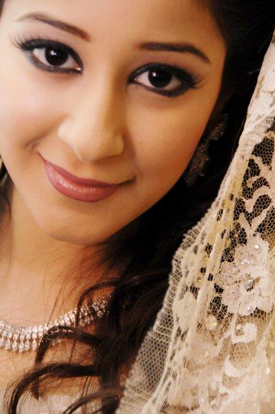 بالصور: أسيل عمران تؤكد خبر طلاقها للمرة الثالثة