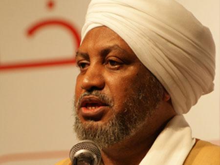 رئيس مجمع الفقه الإسلامي يحرض السلطات لإتخاذ تدابير تدرء خطر الهواتف الذكية