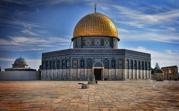 """كيف ردّ """"المقدسيون"""" على الاساءة للرسول من قبل مستوطنة اسرائيلية ؟"""