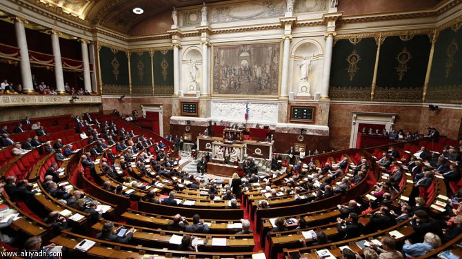 البرلمان يتجه لمراجعة التشريعات لضبط الهجرة غير الشرعية