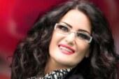 ناشطة مصرية لسما المصري: كانت ترقص عارية.. والفنانة ترد: أعملي زيي