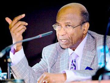 د. منصور خالد في حوار شامل.. (…) هذا (حديث مشاطات)..أنا لا أتهم النخب السودانية بالفشل إنما بما هو أسوأ