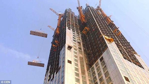بالصور: شركة صينية تبني ناطحة سحاب في 19 يوماً