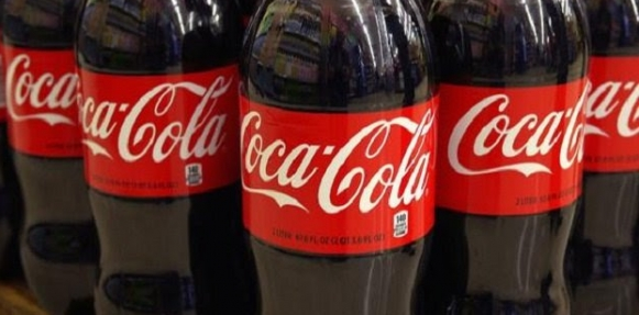 ماذا تفعل علبة كوكاكولا لجسمك في أول ساعة بعد شربها؟