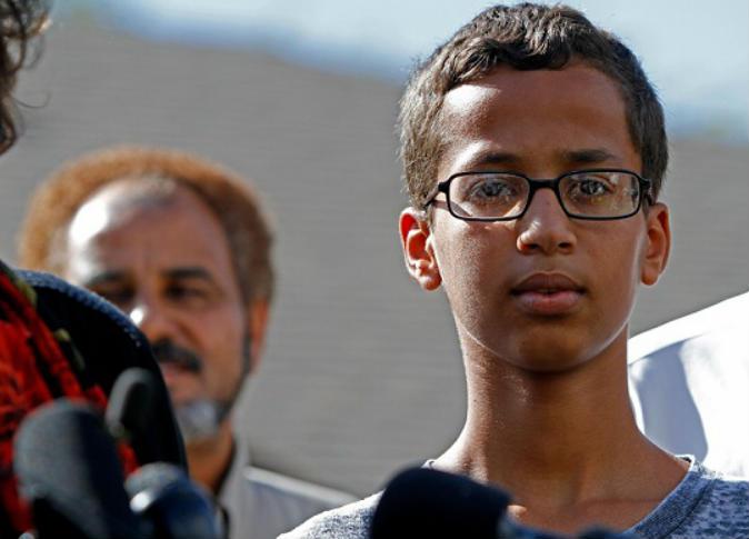 سياسية أمريكية تهاجم أوباما لدعوته الطفل المسلم احمد السوداني  إلى البيت الأبيض
