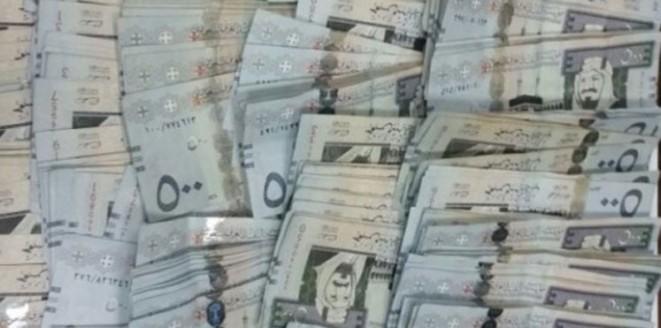 بالفيديو.. رد فعل رجل أخبر جاره بحصوله على مليون ريـال كتعويض