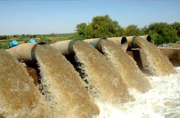 طلمبات إيطالية في طريقها لمشروع مياه الأبيض