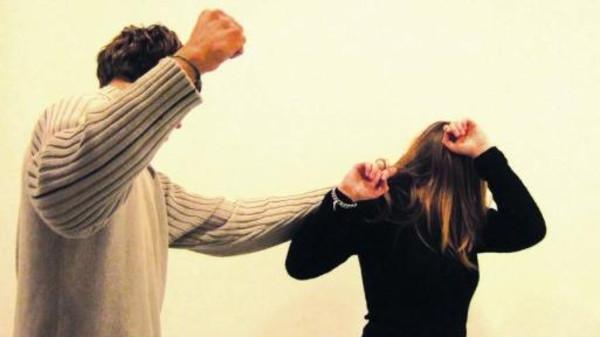 الرجال يميلون للعنف عند تهديد رجولتهم