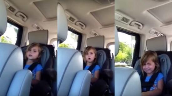 بالفيديو : ما هو الخبر الذي أبكى هذه الطفلة؟