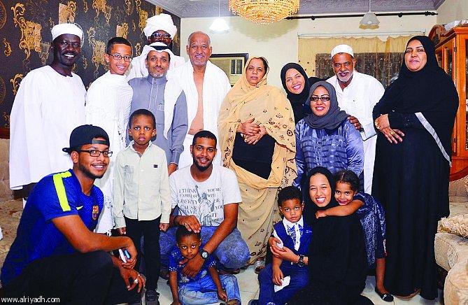 الملك سلمان يحقق أمنية «مبتكر الساعة» الأميركي من أصل سوداني