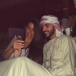 بالصور.. أول ظهور لوسيم الامارات وزوجته بعد زفافهما