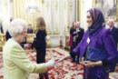 ملكة بريطانيا تحتفي بالروائية السودانية ليلى أبو العلا