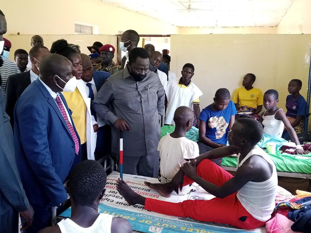 VP Hussein Abdelbaggi visiting Ibba County Students. [Photo by Awan Achiek/Sudans Post]