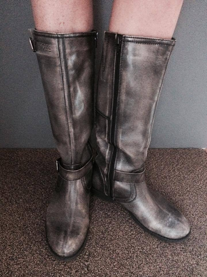 Grey leather boots for ladies