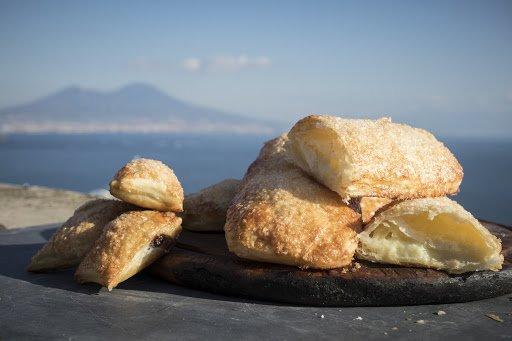 """Le """"Lingue di Procida"""", il dolce più famoso dell'isola. La ricetta tradizionale per farle in casa"""