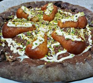 Pizza al cioccolato con Nutella e babà di Salvatore Lioniello. La ricetta