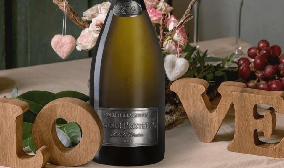 """San Valentino, ecco il vino degli innamorati. Si chiama """"Amore Protetto"""", è uno spumante pugliese"""