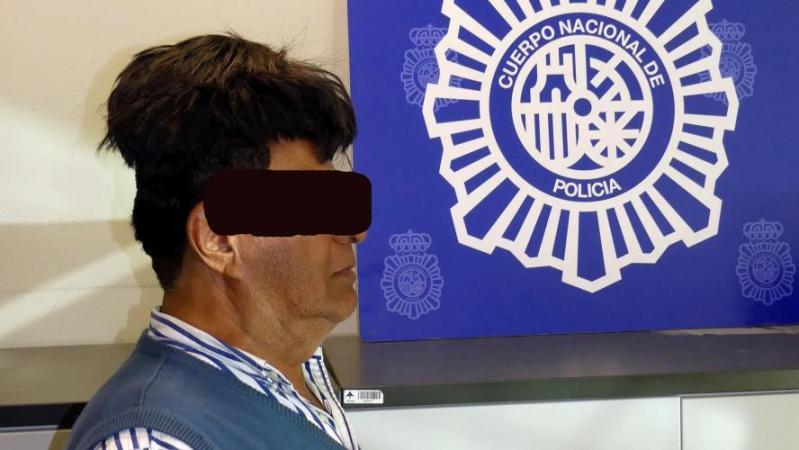 Un Colombien qui cachait de la cocaïne sous sa perruque arrêté à Barcelone: il faut dire que la cachette n'était pas très discrète… (photos)