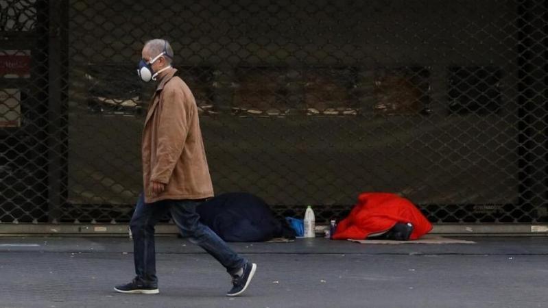 Des sans-abri reçoivent une amende car ils ne respectent pas les mesures de confinement en France : « C'est la cerise sur le gâteau du cruel ! »