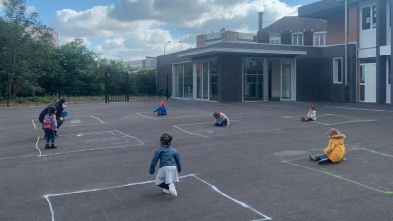 Réouverture des écoles pour le déconfinement: les photos dans une école maternelle qui brisent le coeur des internautes