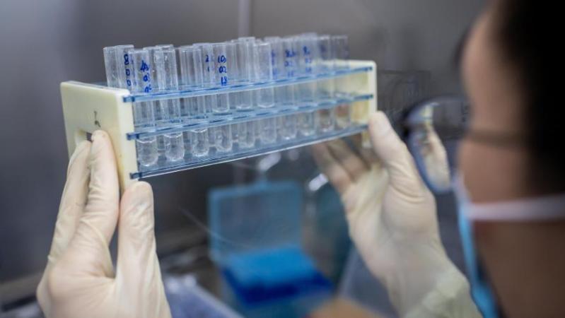 Coronavirus: le laboratoire français Sanofi annonce qu'il servira les États-Unis en premier s'il trouve un vaccin