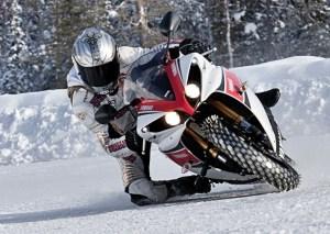 pilotage-moto-neige
