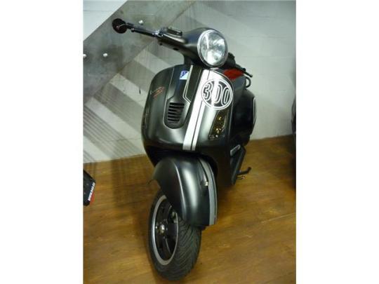 Vespa GTS Super Sport 300 - 0