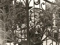 """""""Mephistos Landhaus"""": Nackt auf der Veranda"""