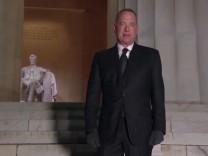 Show zu Bidens Amtseinführung: Tom Hanks in Thermoweste