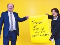 """Theater und Politik: """"Aktion 40 000"""": Seid umarmt, Volksvertreter"""