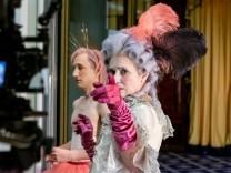 """""""Edward II."""" am Schauspiel Köln: Das große Bling-Bling der Gefühle"""