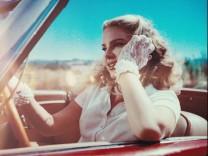 """""""Chemtrails Over The Country Club"""" von Lana Del Ray: Frag nicht, was soll es bedeuten"""
