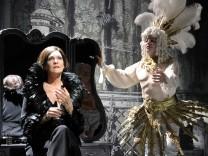 Bayerische Staatsoper: Kinder, wie die Zeit vergeht