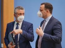 Coronavirus in Deutschland: Gesundheitsminister Spahn und RKI-Chef Wieler informieren