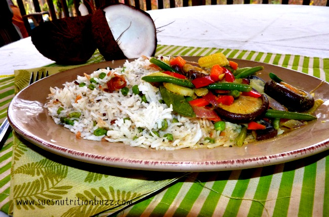 Light & Healthy Coconut Rice Pilaf made with @VitaCoco Coconut Water