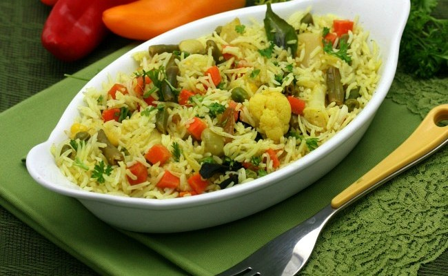 Quick & Easy Rice Pilaf With More Veggies Than Rice #IndianRecipes Made Easy