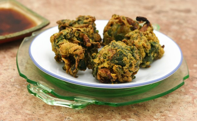 Cashew Spinach Pakoras  With A Tangy Date Sauce #SundaySupper