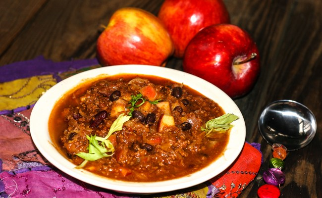Roasted Apple & Beer Chili For Oktoberfest #SundaySupper
