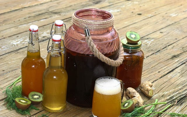 Homemade Kombucha To Heal Your Gut