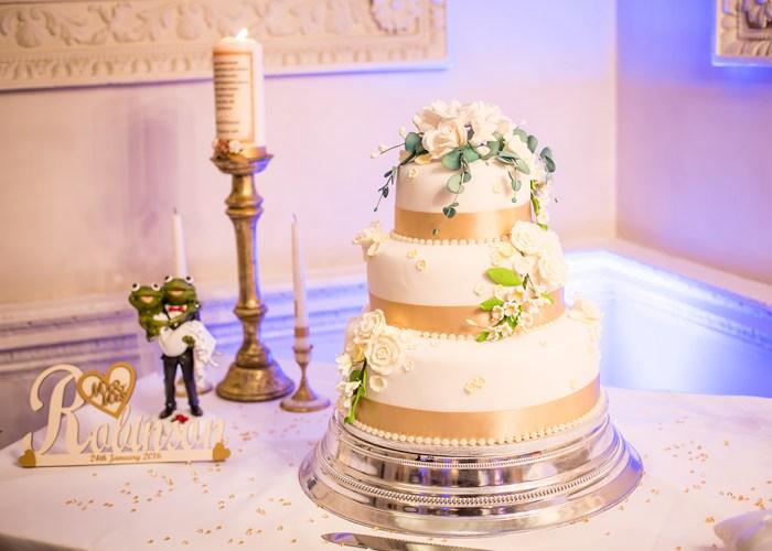 lumley-castle-wedding-photo-cake