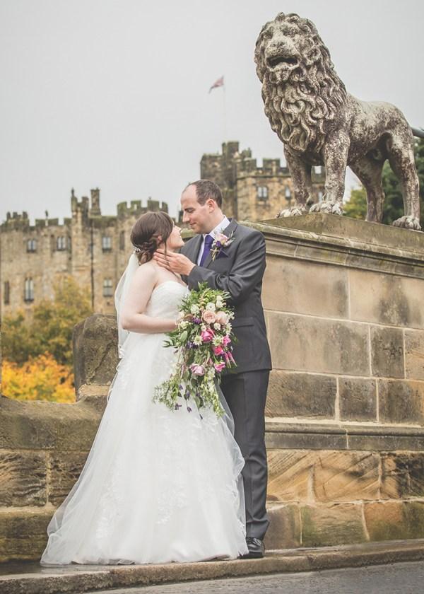 bride and groom lion bridge alnwick