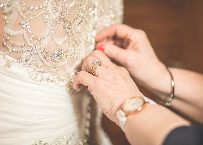 dress hands