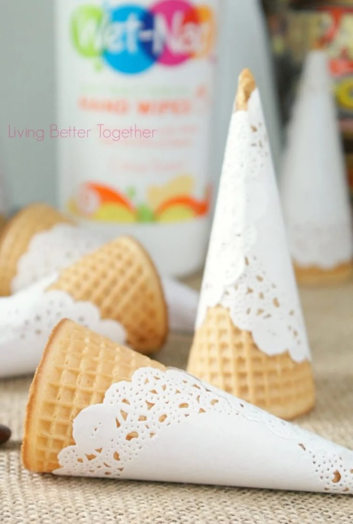 Doily Wrapped Ice Cream Cones | Living Better Together #PMedia #ad #showusyourmess