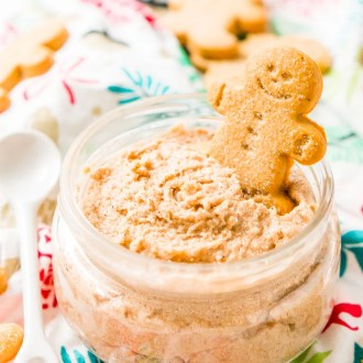 Treat your skin to a holiday treat with this Whipped Gingerbread Sugar Scrub! Everything you need is already in your pantry making itthe perfect last-minute gift!