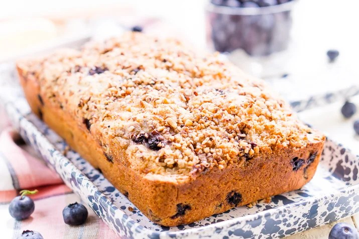 Blueberry Ice Cream Bread is a delicious and easy sweet bread recipe made with just six ingredients and ready in less than an hour!