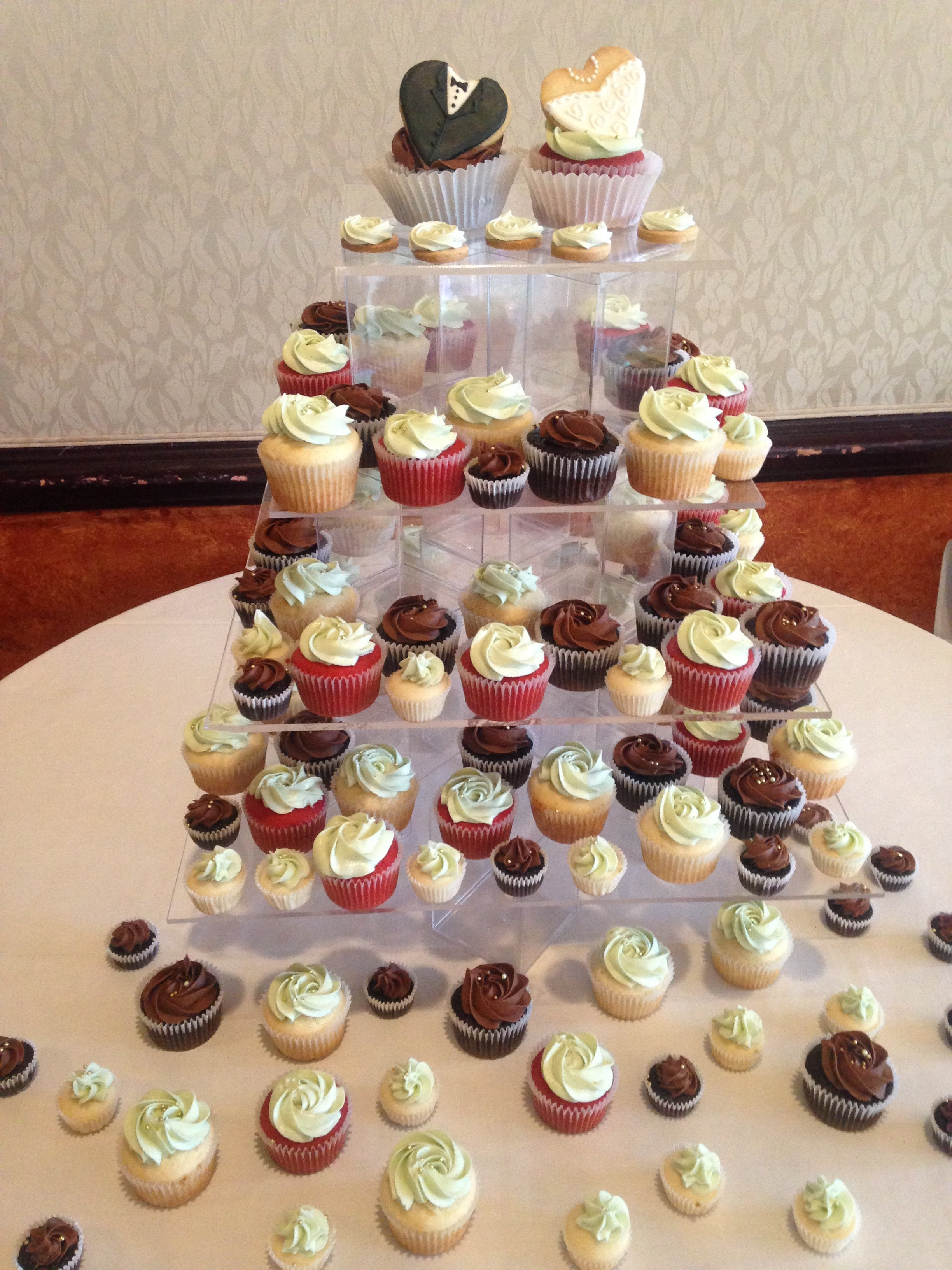 Cupcakes and Mini Cupcakes   Sugarcastles Bride groom decorated butter cookie cupcake tree