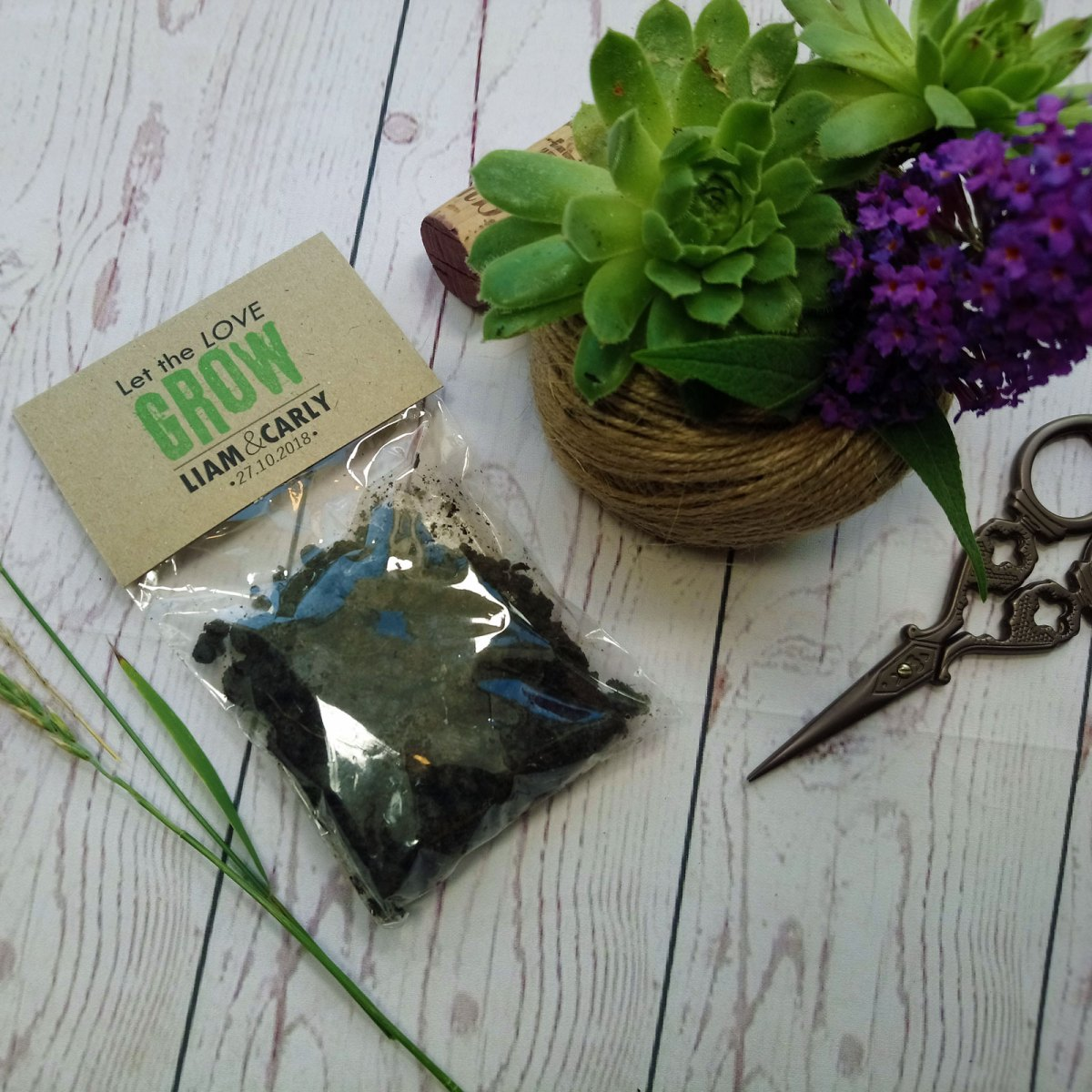 Let The Love Grow Seeds Bag Favour with soil and flower seeds
