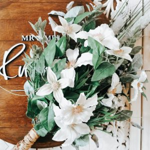 Botanical bridal bouquet with white floweres