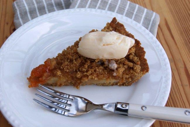 Vegan Apricot Pear Crumble Pie