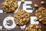 Oatmeal_White Chocolate_Macadamia_Cookies